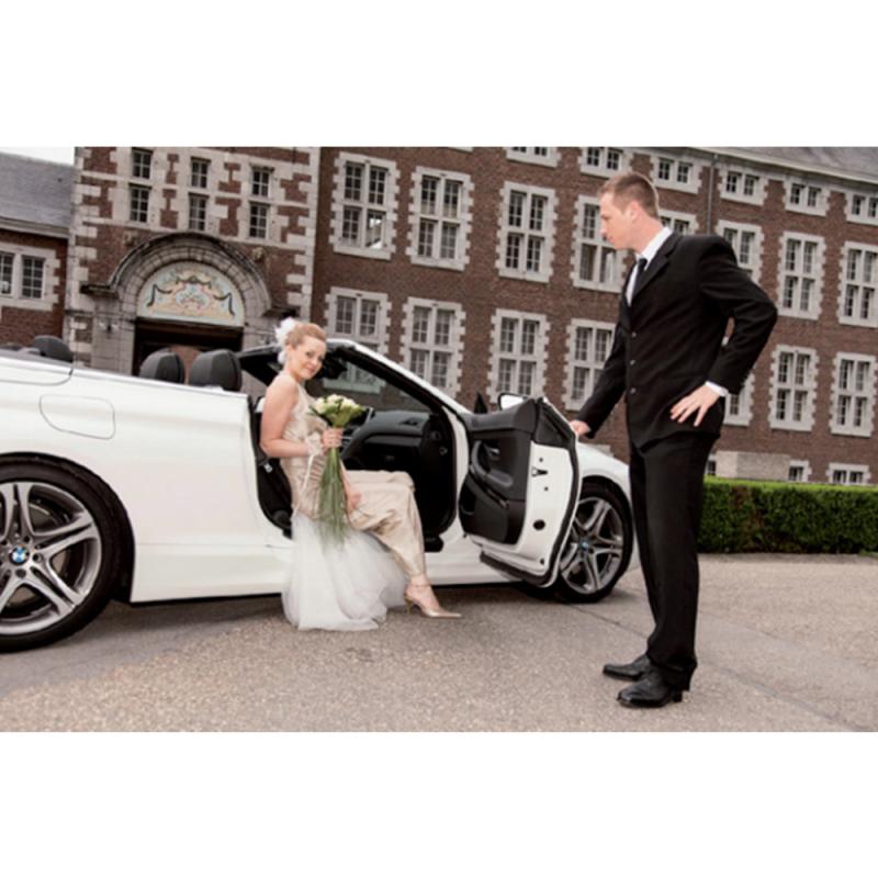 Limousine Lincoln blanche